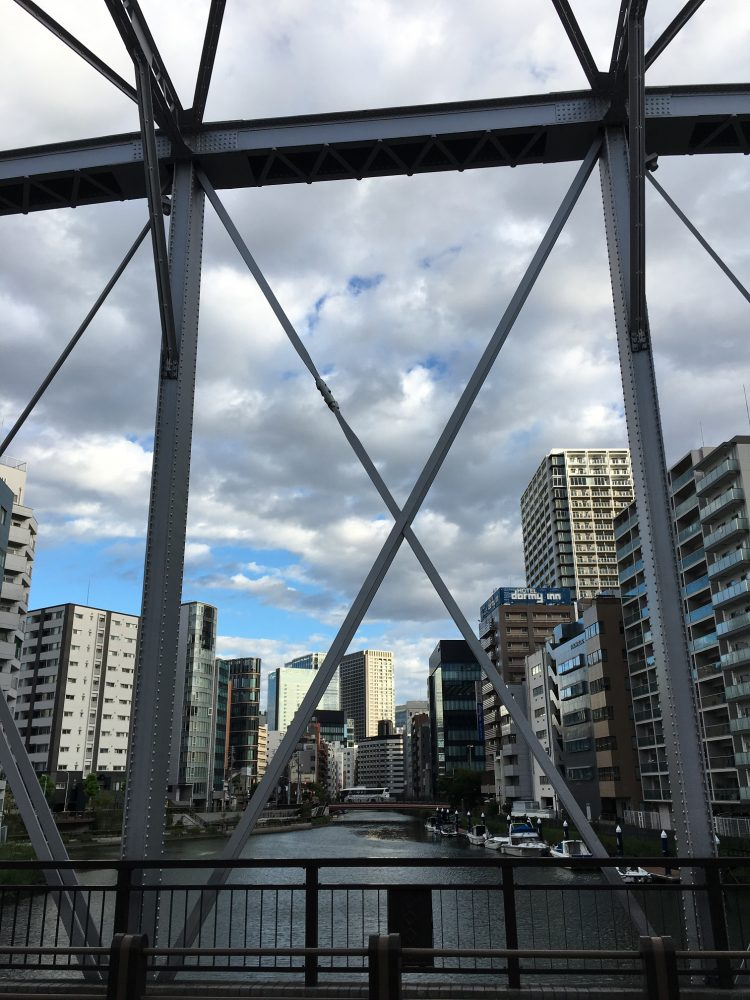 亀島川水門から新川方面