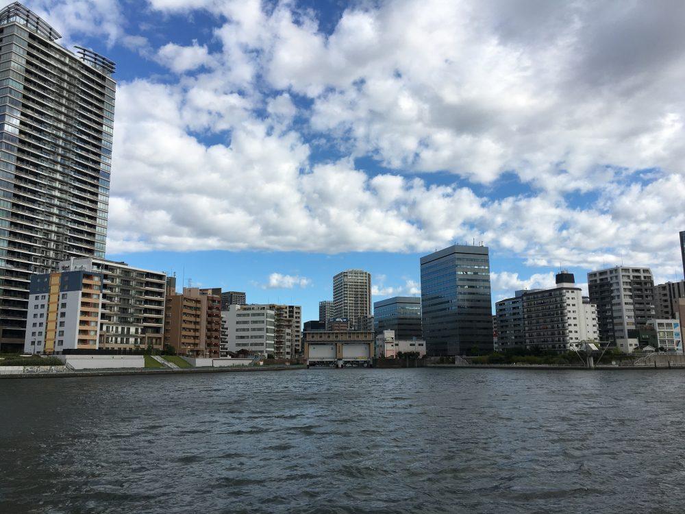 亀島川水門対岸から