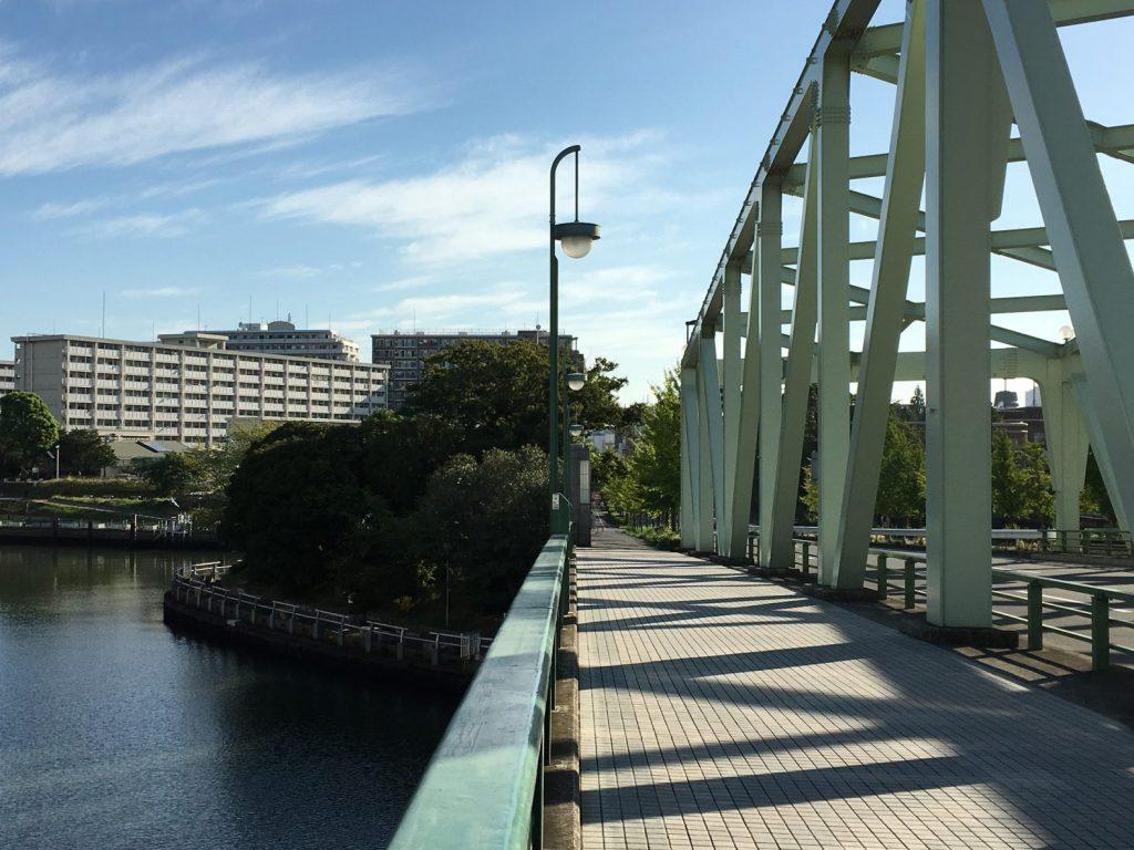 相生橋を渡って中の島公園へ