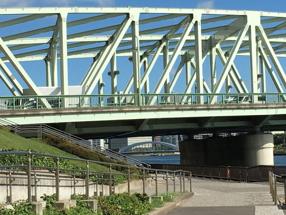 相生橋橋脚から見える永代橋