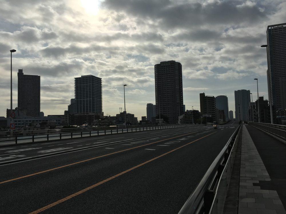 佃大橋の車道