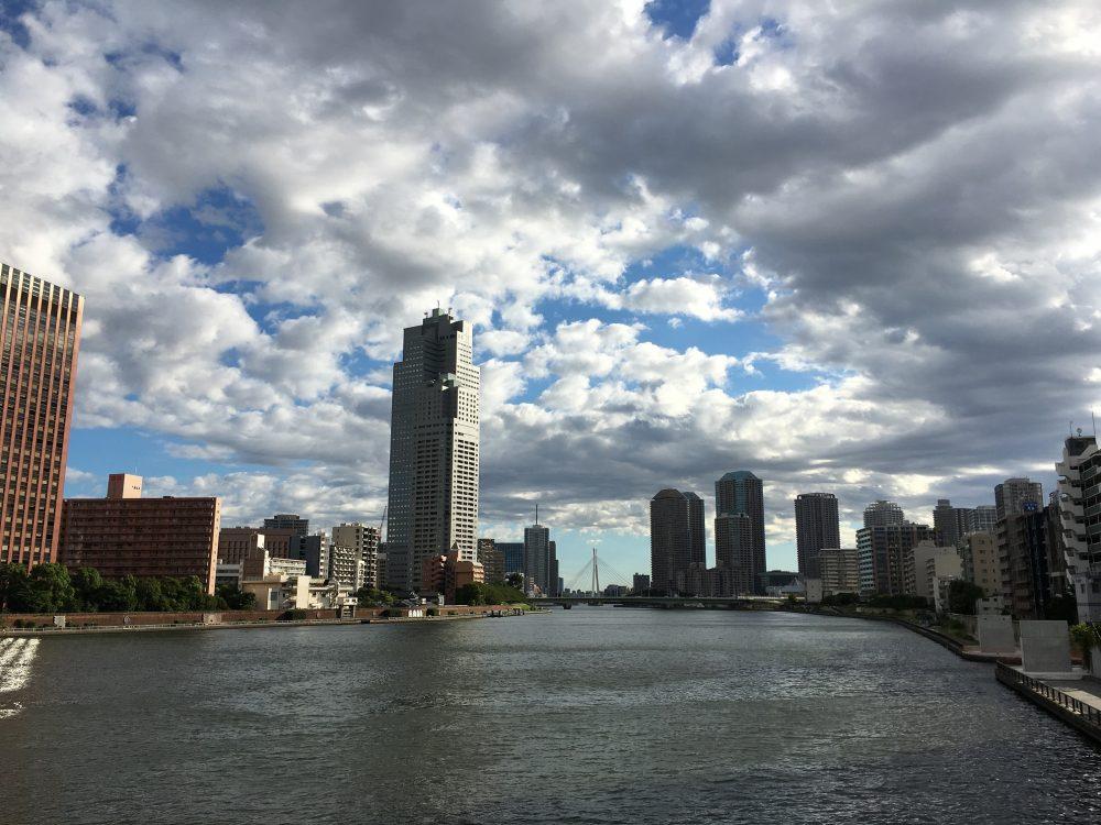 勝鬨橋から見る中央大橋