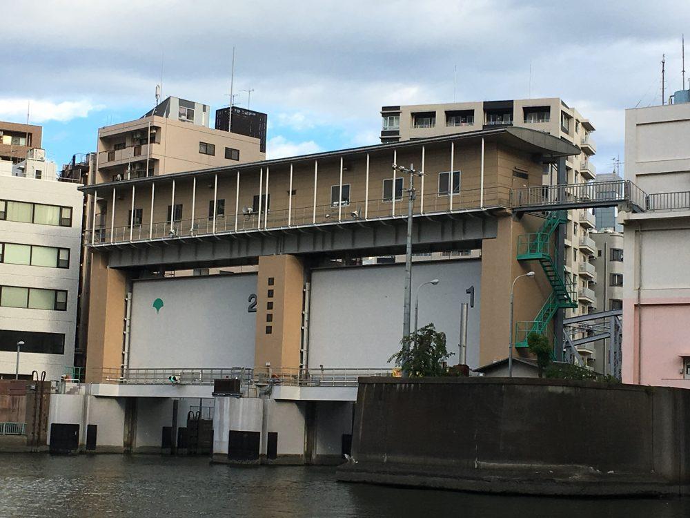 亀島川水門全景